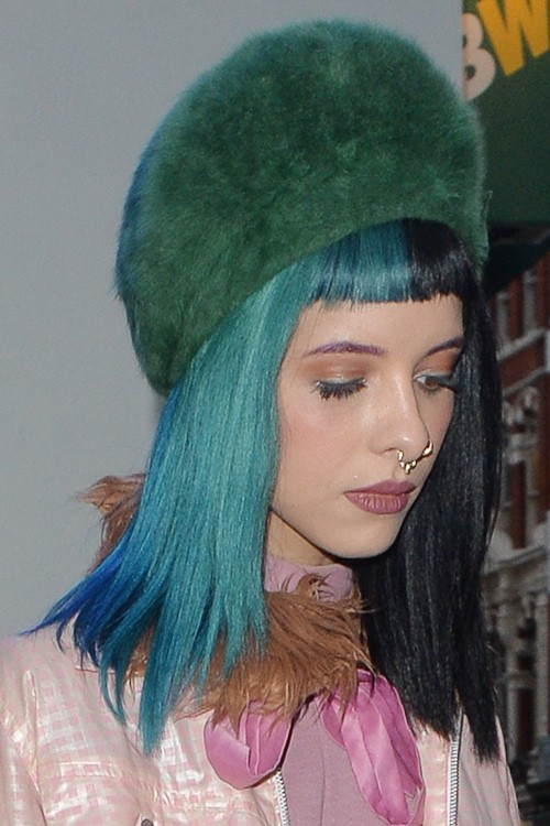 Melanie Martinez S Hairstyles Amp Hair Colors Steal Her