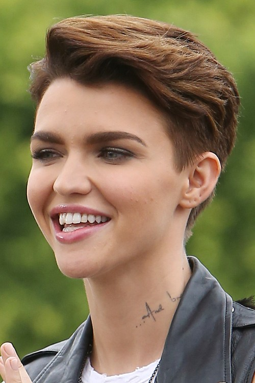 How to Get Ruby Rose Hairstyle