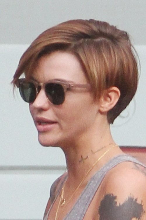 Hairstyles Ruby Rose : Ruby Rose Straight Medium Brown All-Over Highlights, Choppy Layers ...