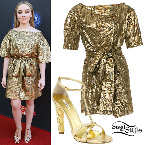 Sabrina Carpenter: Gold Metallic Shift Dress