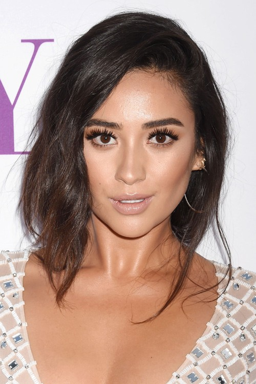 shay mitchell hair style shay mitchell wavy brown braid hairstyle 7894