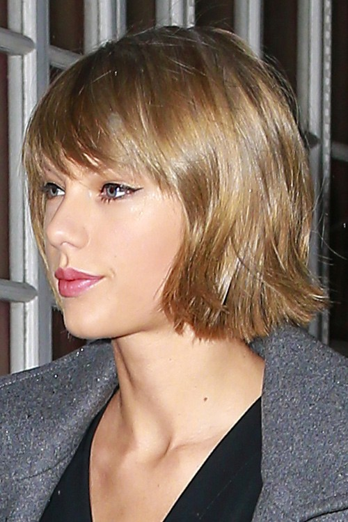 taylor swift new hairstyle : Taylor Swift Straight Medium Brown Bob, Choppy Bangs Hairstyle Steal ...
