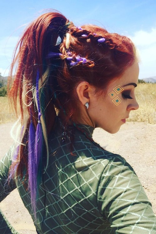 lindsey stirling s hairstyles hair colors steal her style
