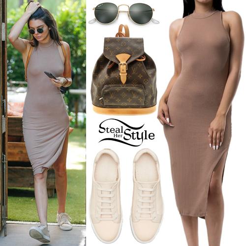 Kendall Jenner leaving the Villa Restaurant of Woodland Hills. August 5th, 2016 - photo: AKM-GSI