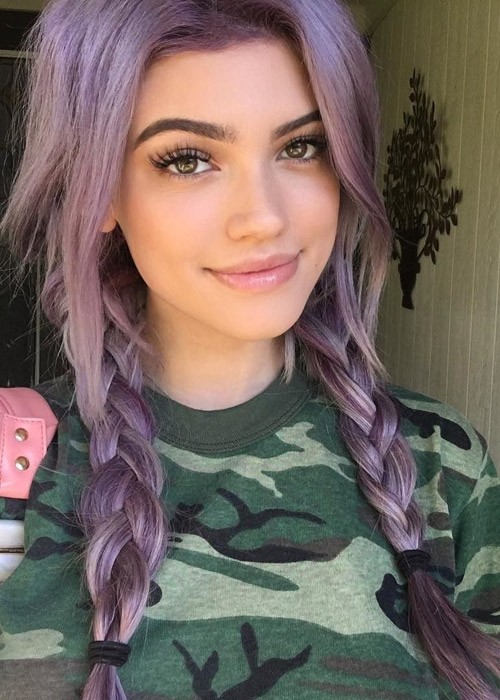 Kelsey Calemine's Hairstyles & Hair Colors | Steal Her Style