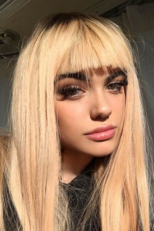 Kelsey Calemine S Hairstyles Amp Hair Colors Steal Her Style