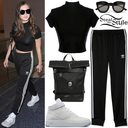 Hailee Steinfeld at LAX Airport. September 26th, 2016 - photo: AKM-GSI