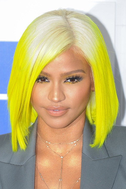yellow hair style platinum yellow blunt cut bob dip dyed 3634