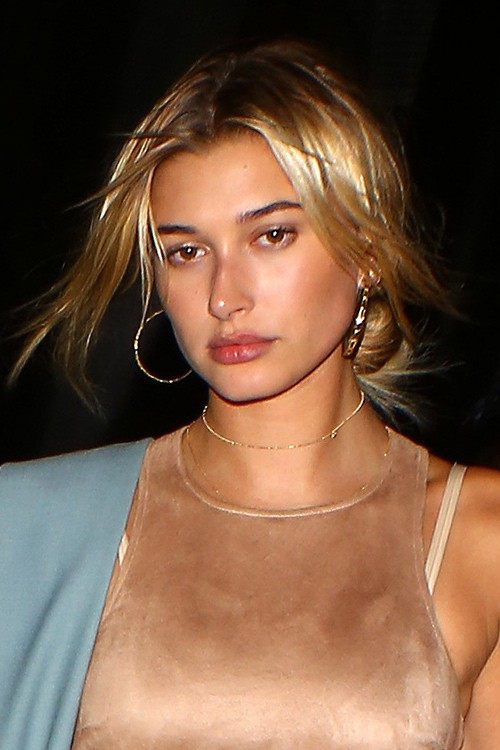 Hailey Baldwin S Hairstyles Amp Hair Colors Steal Her