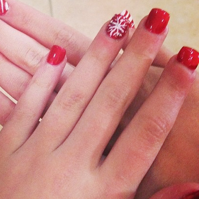Maddie Ziegler S Nail Polish Amp Nail Art Steal Her Style
