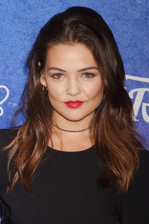 Danielle Campbell S Hairstyles Amp Hair Colors Steal Her Style