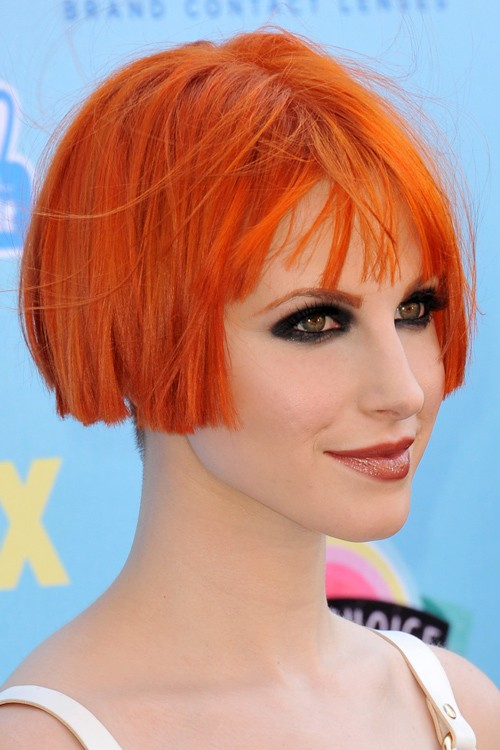 Hayley Williams Straight Orange Bob, Choppy Bangs ...
