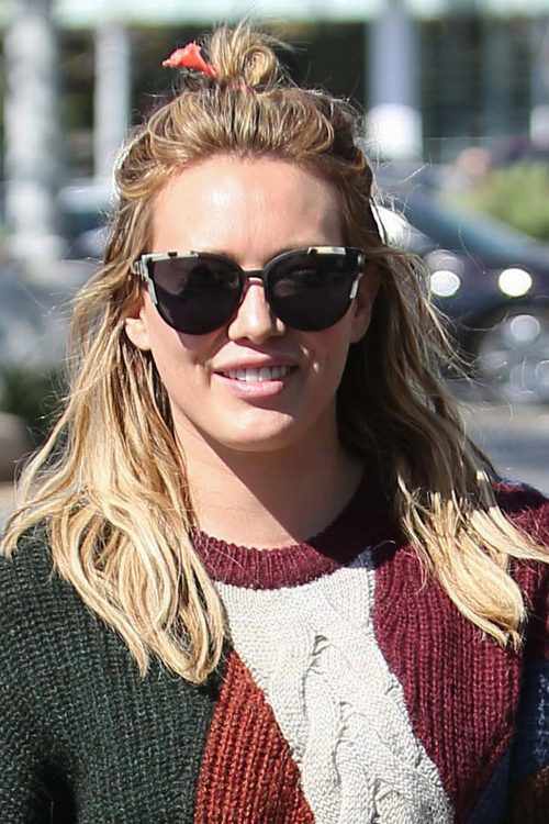 Hilary Duff S Hairstyles Amp Hair Colors Steal Her Style