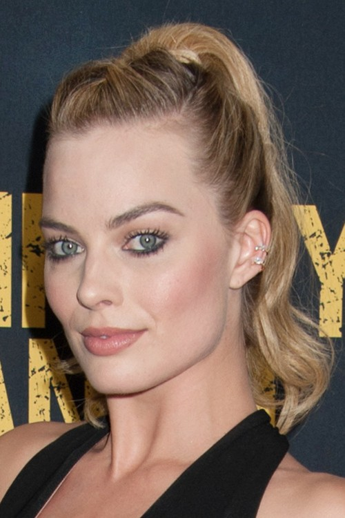 Margot Robbie Wavy Light Brown Dark Roots French Braid