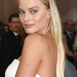 151454, Margot Robbie attends the Metropolitan Museum of Art Costume Institute Benefit Gala on May 2, 2016 in New York, New York, USA. The show is Manus x Machina: Fashion in an Age of Technology.     USA ONLY Photograph: © Photoshot, PacificCoastNews. Los Angeles Office: +1 310.822.0419 UK Office: +44 (0) 20 7421 6000 sales@pacificcoastnews.com FEE MUST BE AGREED PRIOR TO USAGE