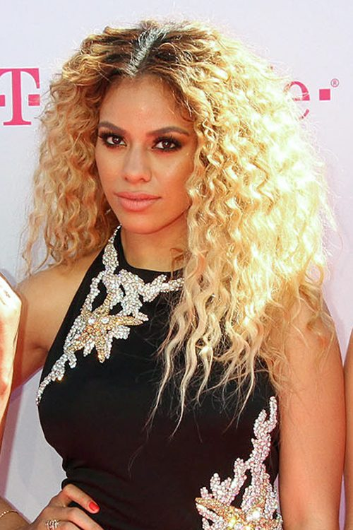 Dinah Jane Hansen S Hairstyles Amp Hair Colors Steal Her