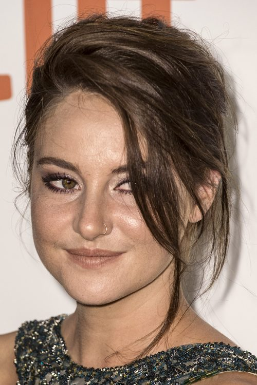 Shailene Woodley S Hairstyles Hair Colors Steal Her Style