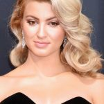 157365, Tori Kelly at the 68th Annual Primetime Emmy Awards at Microsoft Theater on September 18, 2016 in Los Angeles, California. © Joe Sutter, PacificCoastNews. Los Angeles Office (PCN): +1 310.822.0419 UK Office (Photoshot): +44 (0) 20 7421 6000 sales@pacificcoastnews.com FEE MUST BE AGREED PRIOR TO USAGE