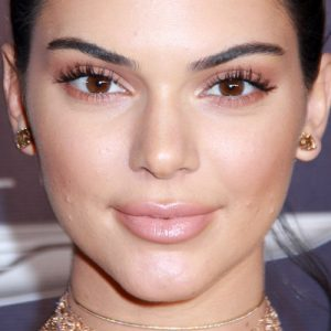 Kira Kosarin Makeup: Black Eyeshadow, Bronze Eyeshadow