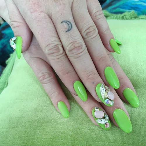 Kesha Lime Green Jewels Stones Nails Steal Her Style