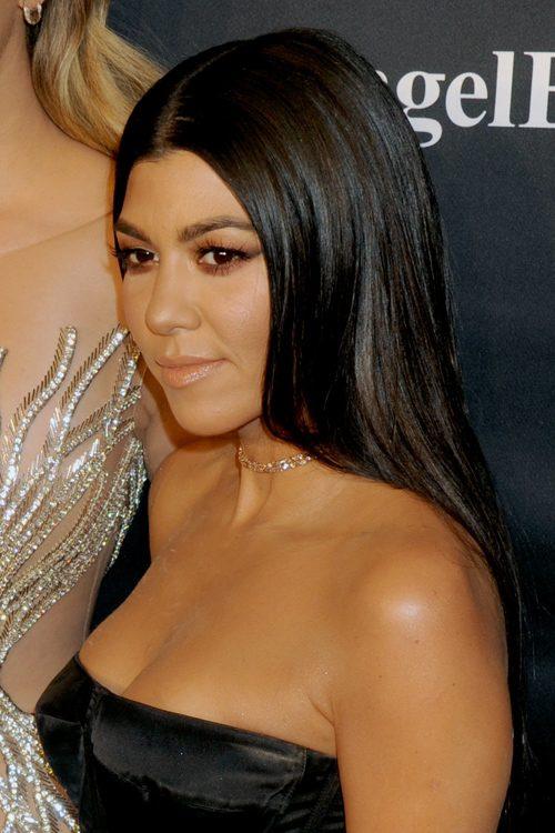 kourtney kardashian straight dark brown blunt cut
