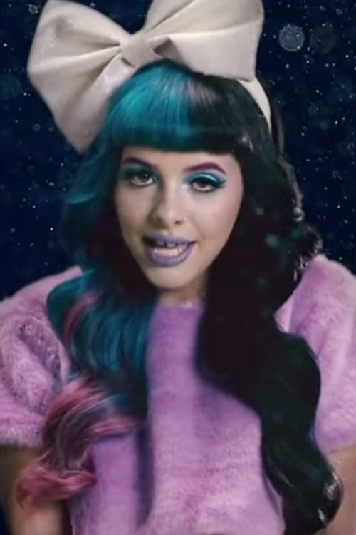 Melanie Martinez Wavy Black Blue Blunt Bangs Peek A Boo
