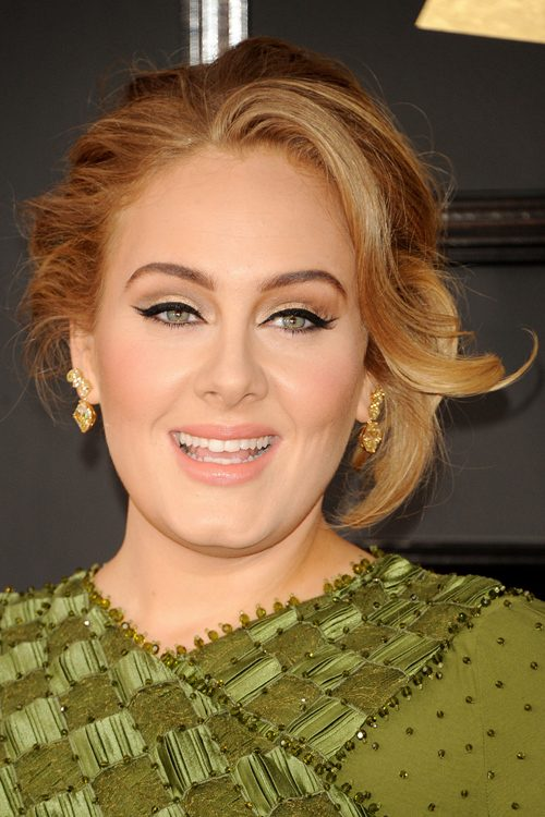 Adele S Hairstyles Amp Hair Colors Steal Her Style
