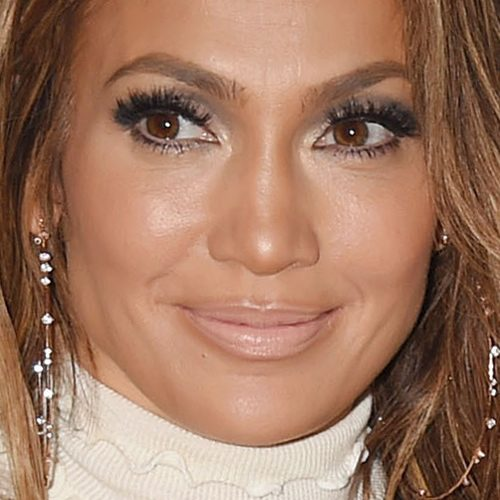 Jennifer Lopezs Makeup Photos Products Steal Her Style Page 2 - Jlo-makeup