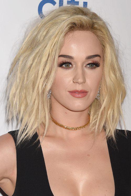 Katy Perry Wavy Platinum Blonde Bob Choppy Layers