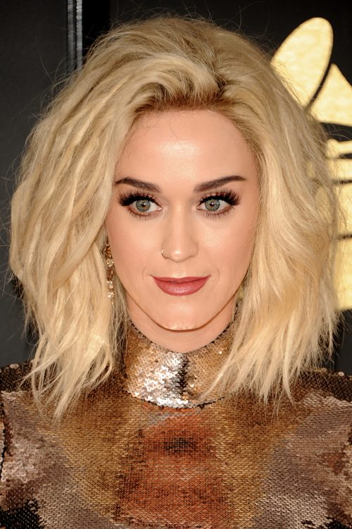 Katy Perry Wavy Platinum Blonde Bob Choppy Layers