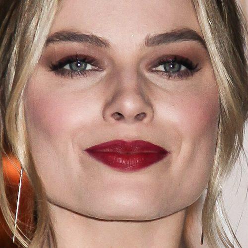Margot Robbie Makeup Black Eyeshadow Taupe Eyeshadow