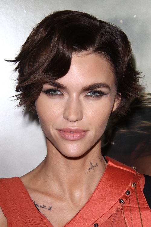 Ruby Rose S Hairstyles Amp Hair Colors Steal Her Style