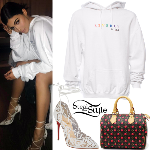 kylie jenner white hoodie lace up pumps steal her style. Black Bedroom Furniture Sets. Home Design Ideas