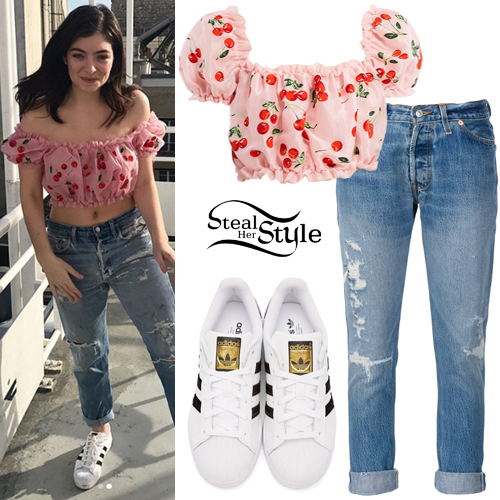Lorde Cherry Print Top Ripped Jeans Steal Her Style