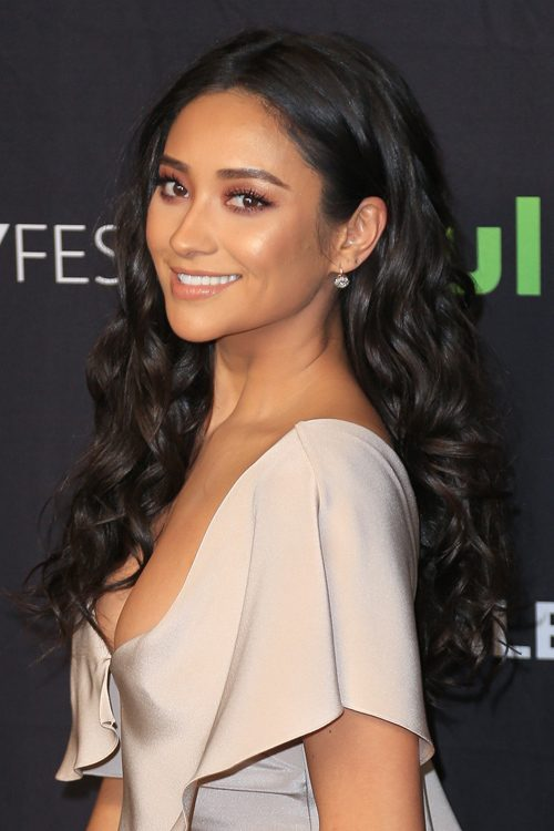 Shay Mitchell Wavy Black Barrel Curls, Side Part Hairstyle ...