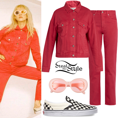 42cbbc5d3c67b9 Hayley Williams   Hard Times  Music Video Outfits