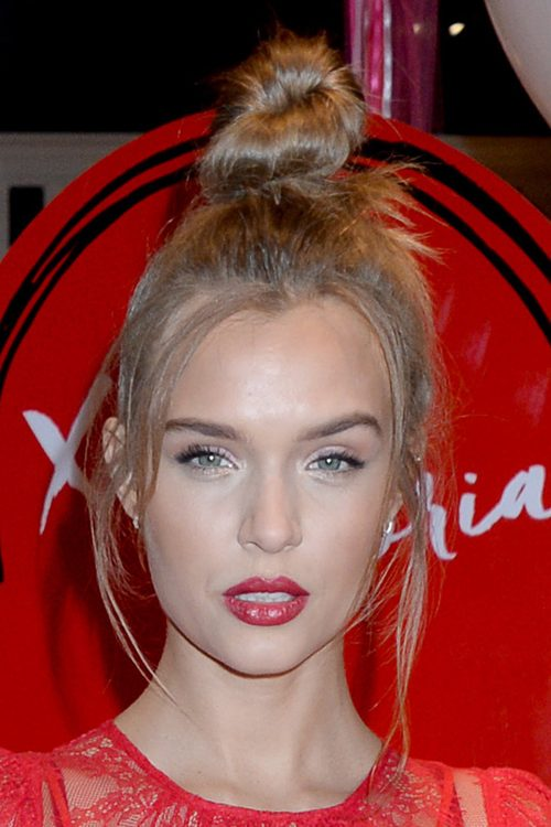 josephine skrivers hairstyles amp hair colors steal her style