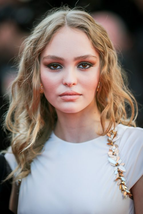 Lily Rose Depp's Hairstyles & Hair Colors | Steal Her Style