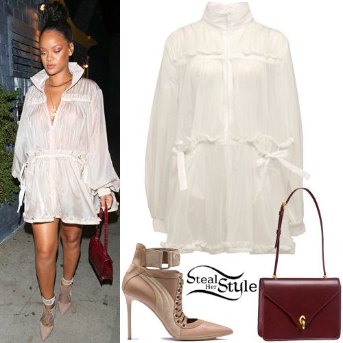 rihanna 39 s clothes outfits steal her style. Black Bedroom Furniture Sets. Home Design Ideas