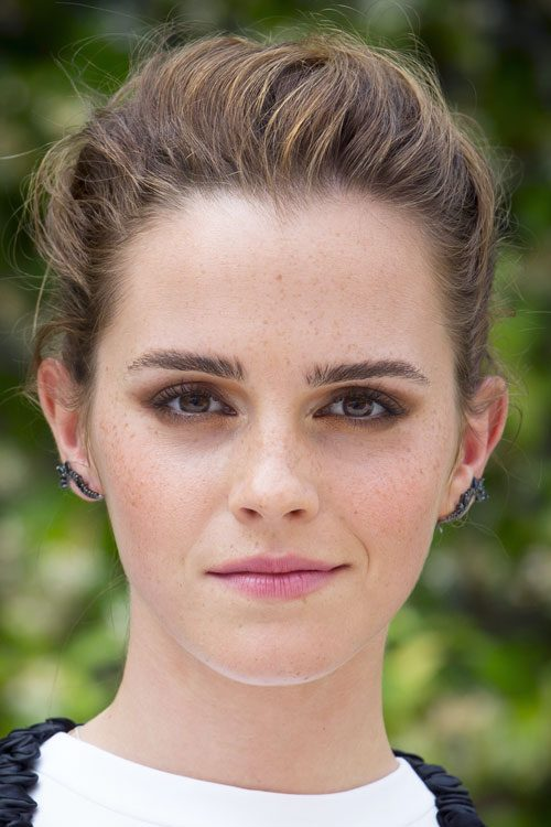 Emma Watson S Hairstyles Amp Hair Colors Steal Her Style