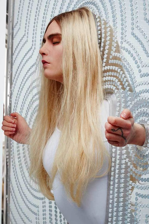 Cara Delevingne S Hairstyles Amp Hair Colors Steal Her Style
