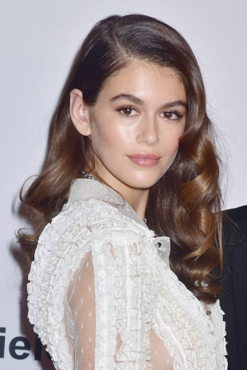 Kaia Gerber S Hairstyles Amp Hair Colors Steal Her Style