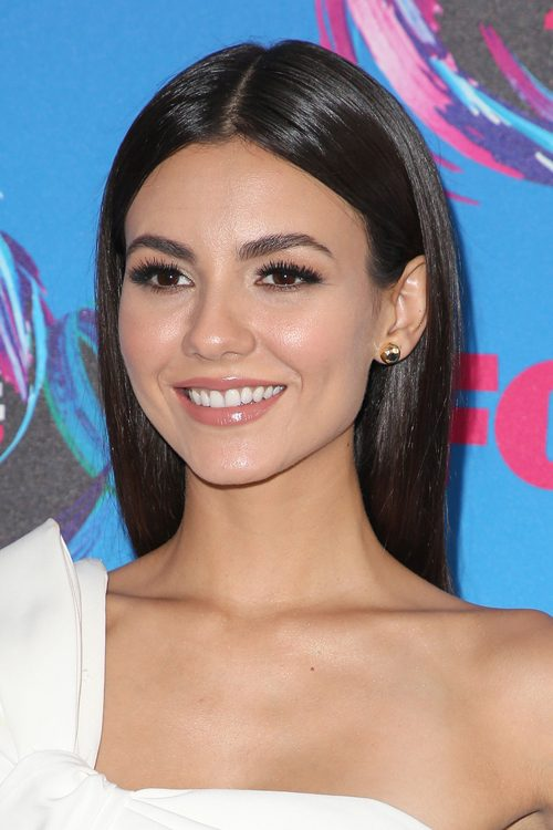 Victoria Justice Straight Dark Brown Flat Ironed Hairstyle Steal Her Style