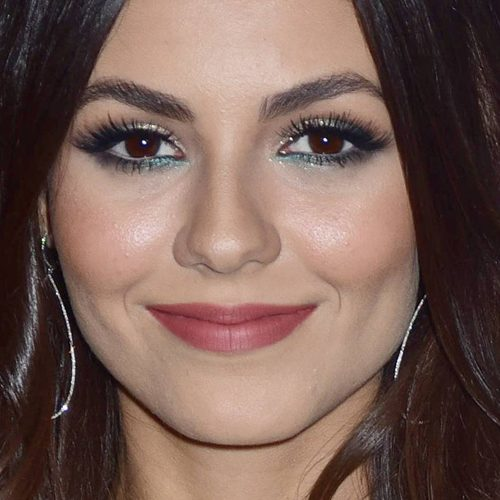 Victoria Justice's Makeup Photos & Products