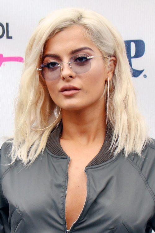 Celebrity shoulder length hair