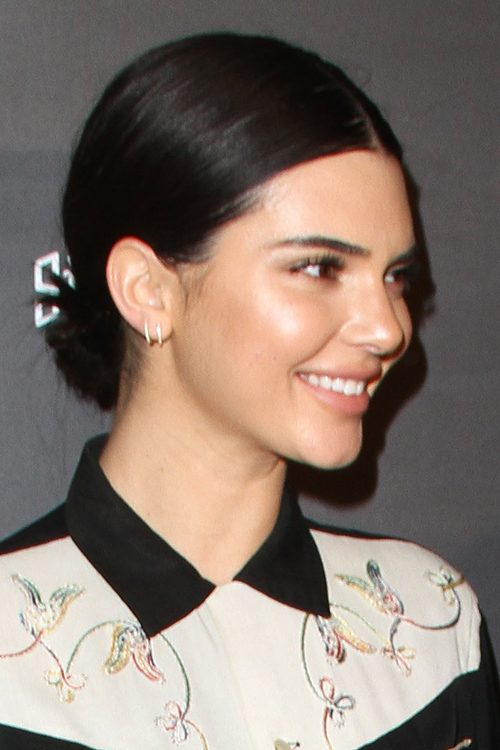 Kendall Jenner's Hairstyles & Hair Colors