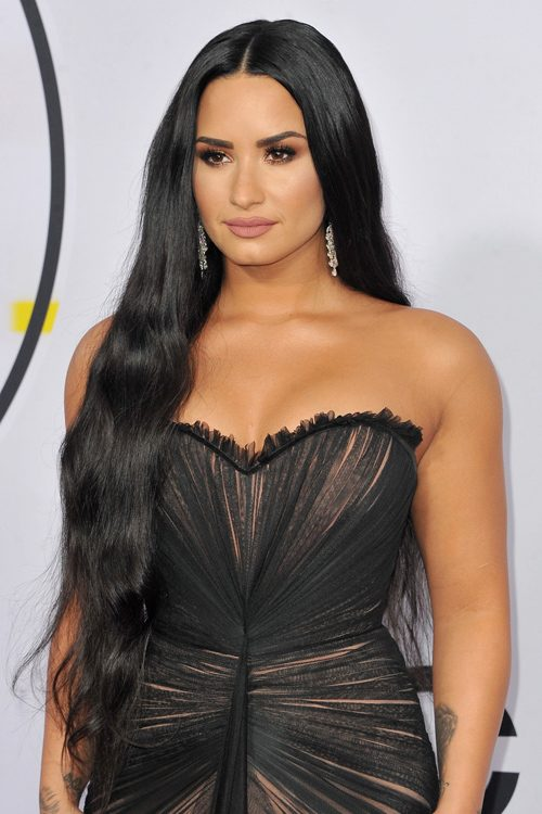 demi lovato wavy black side part hairstyle steal her style