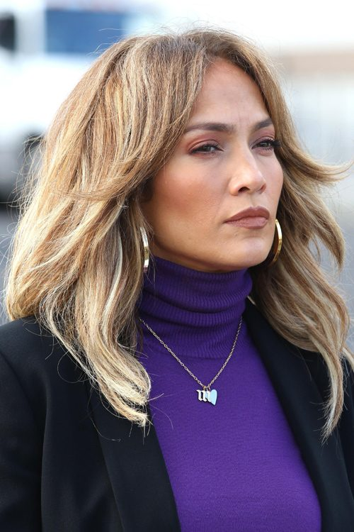 Jennifer Lopez S Hairstyles Amp Hair Colors Steal Her Style