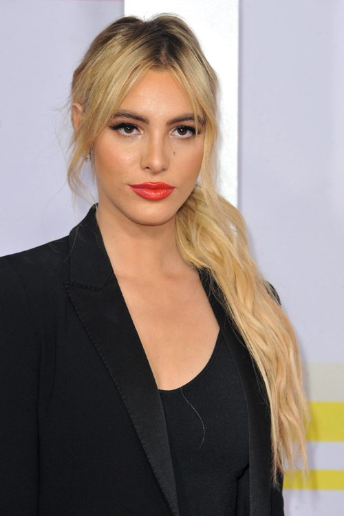 Lele Pons Hairstyles Amp Hair Colors Steal Her Style