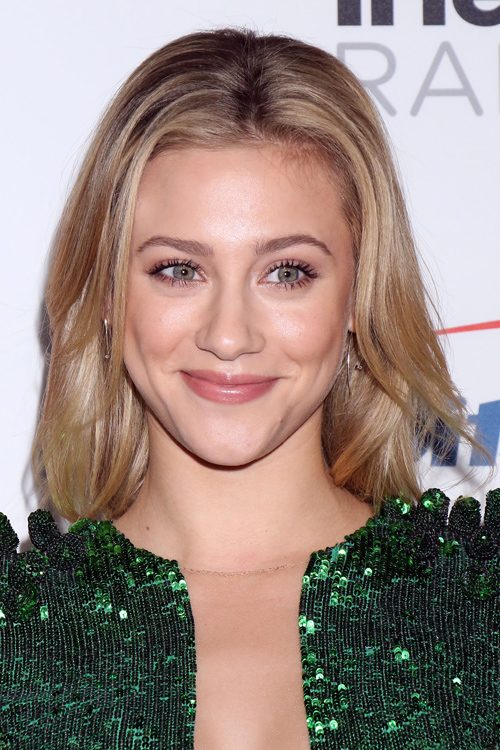 Lili Reinhart S Hairstyles Amp Hair Colors Steal Her Style